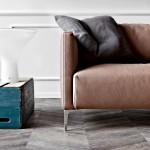 divano moderno pelle marrone